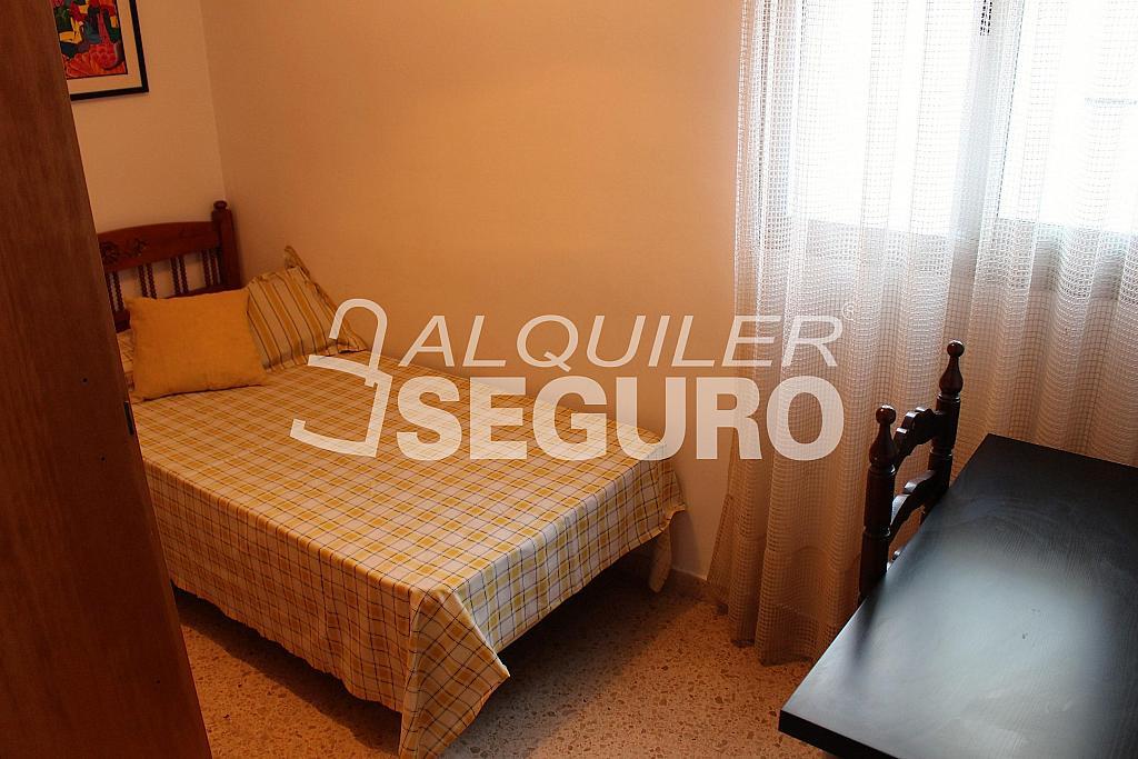 Piso en alquiler en calle Pere Cabanes, Torrefiel en Valencia - 316591553