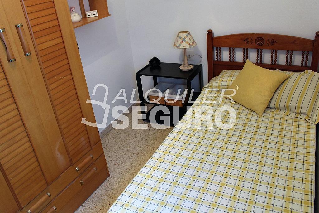 Piso en alquiler en calle Pere Cabanes, Torrefiel en Valencia - 316591556