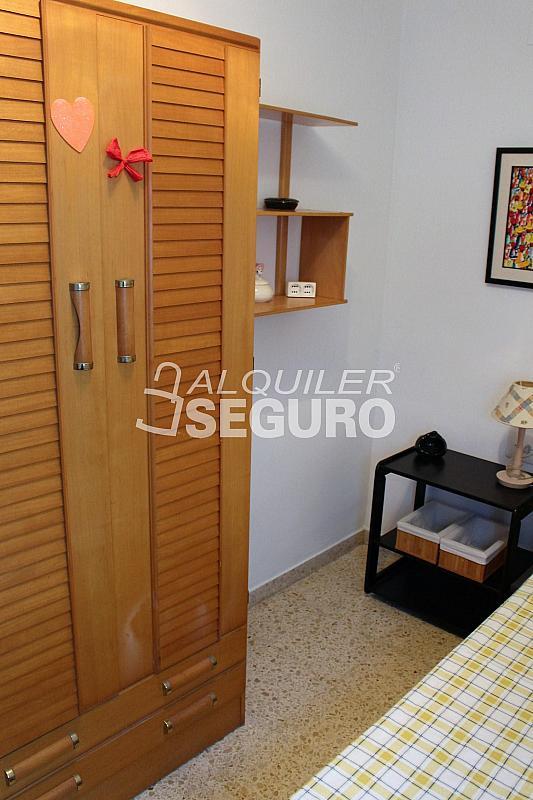 Piso en alquiler en calle Pere Cabanes, Torrefiel en Valencia - 316591559