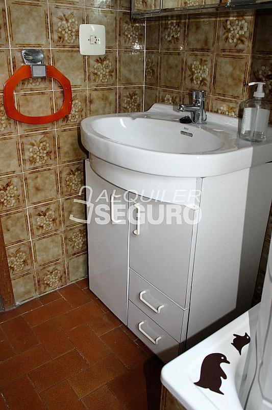 Piso en alquiler en calle Pere Cabanes, Torrefiel en Valencia - 316591601