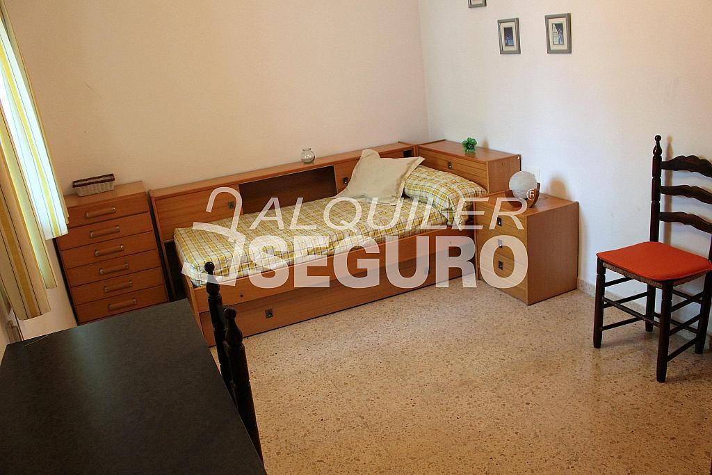 Piso en alquiler en calle Pere Cabanes, Torrefiel en Valencia - 316591604