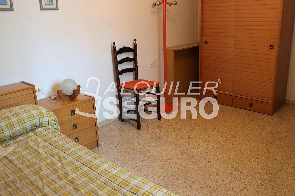 Piso en alquiler en calle Pere Cabanes, Torrefiel en Valencia - 316591607
