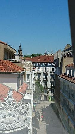 Ático en alquiler en calle Eduardo Dato, Casco Viejo en Vitoria-Gasteiz - 318129825