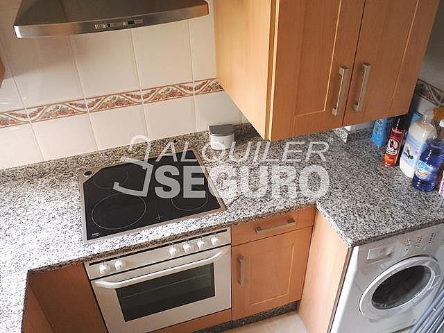 Piso en alquiler en calle San Rafael, Benalmádena Costa en Benalmádena - 318697130
