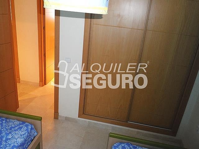 Piso en alquiler en calle San Rafael, Benalmádena Costa en Benalmádena - 318697142