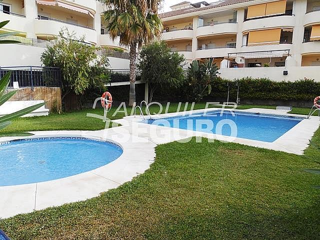 Piso en alquiler en calle Acebuche, Benalmádena Costa en Benalmádena - 320527892