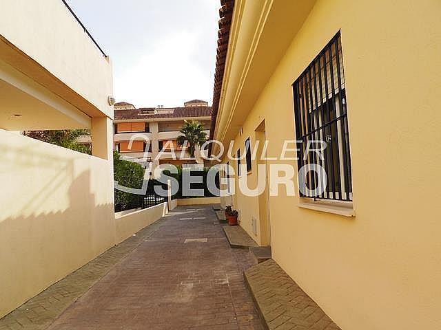 Piso en alquiler en calle Acebuche, Benalmádena Costa en Benalmádena - 320527901