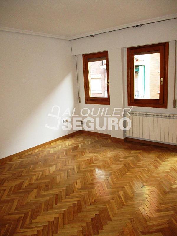 Piso en alquiler en calle Laguna, Casco Histórico en Alcalá de Henares - 320527958