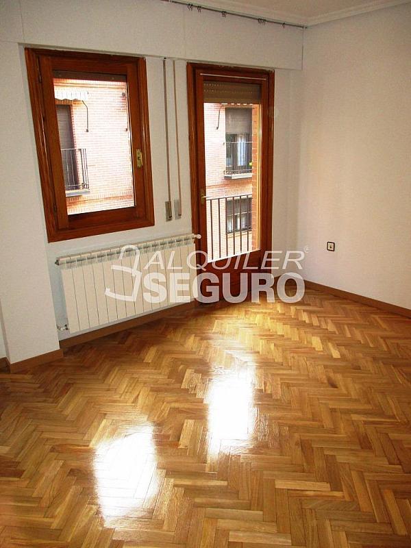 Piso en alquiler en calle Laguna, Casco Histórico en Alcalá de Henares - 320527964
