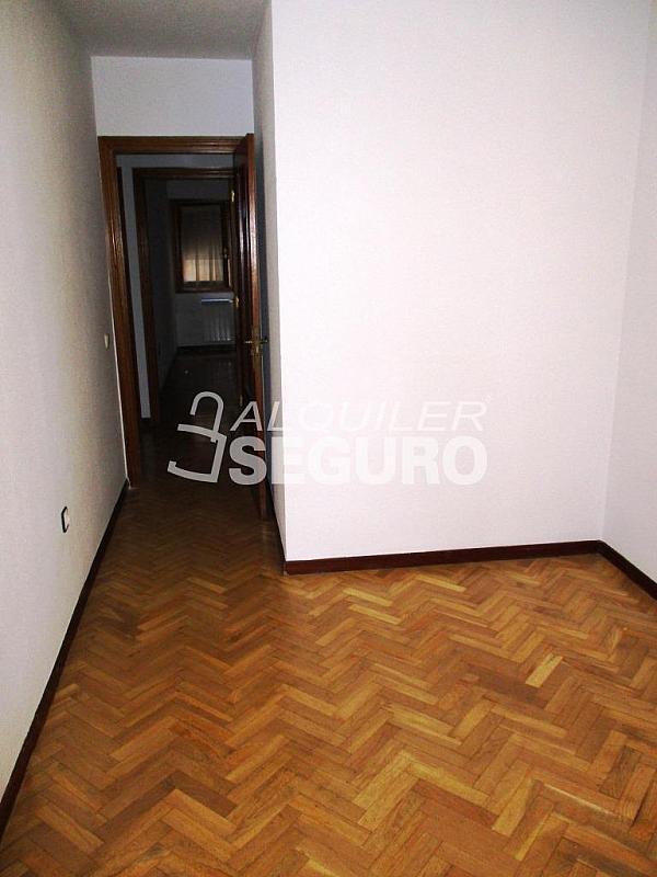 Piso en alquiler en calle Laguna, Casco Histórico en Alcalá de Henares - 320527976