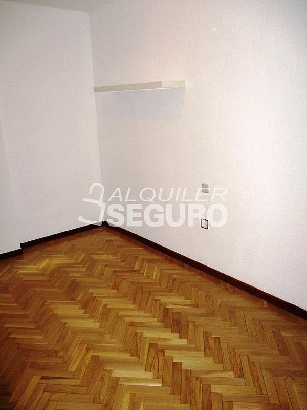 Piso en alquiler en calle Laguna, Casco Histórico en Alcalá de Henares - 320527988