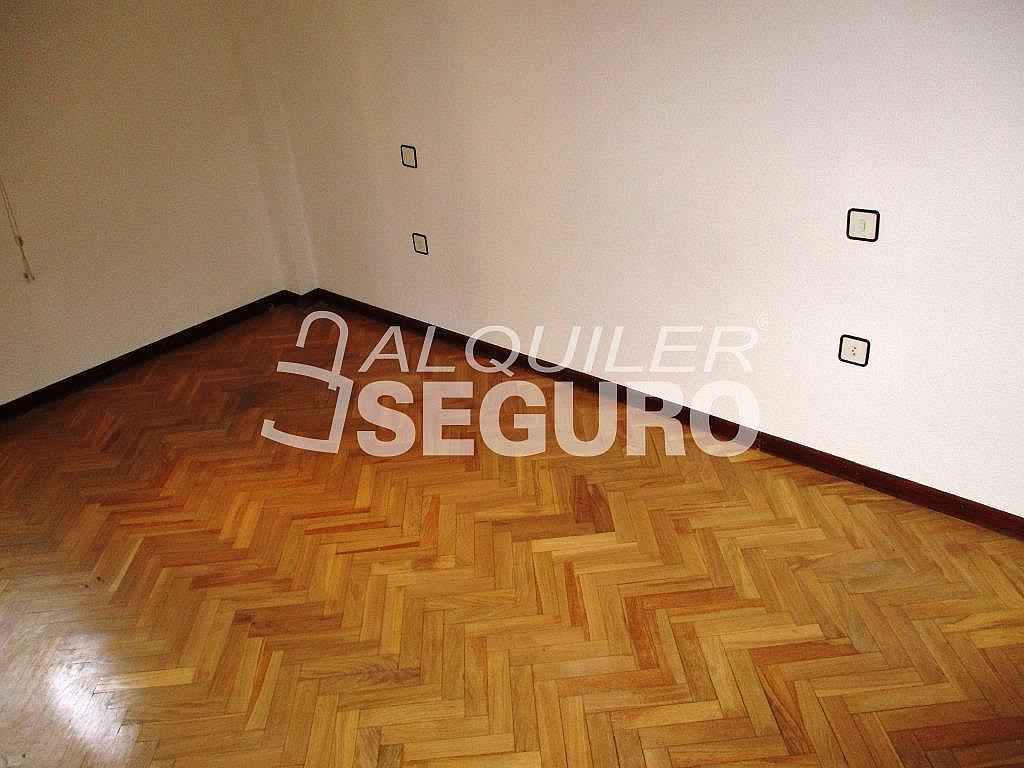 Piso en alquiler en calle Laguna, Casco Histórico en Alcalá de Henares - 320527997