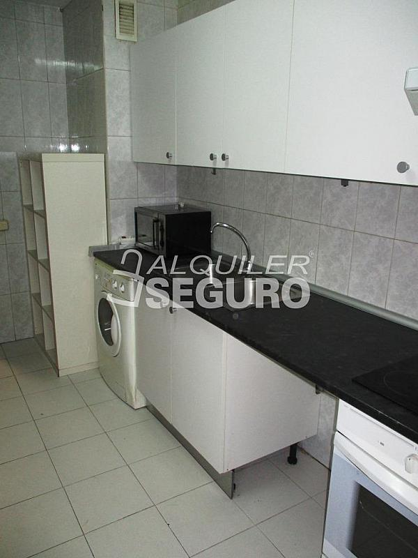 Piso en alquiler en calle Laguna, Casco Histórico en Alcalá de Henares - 320528024