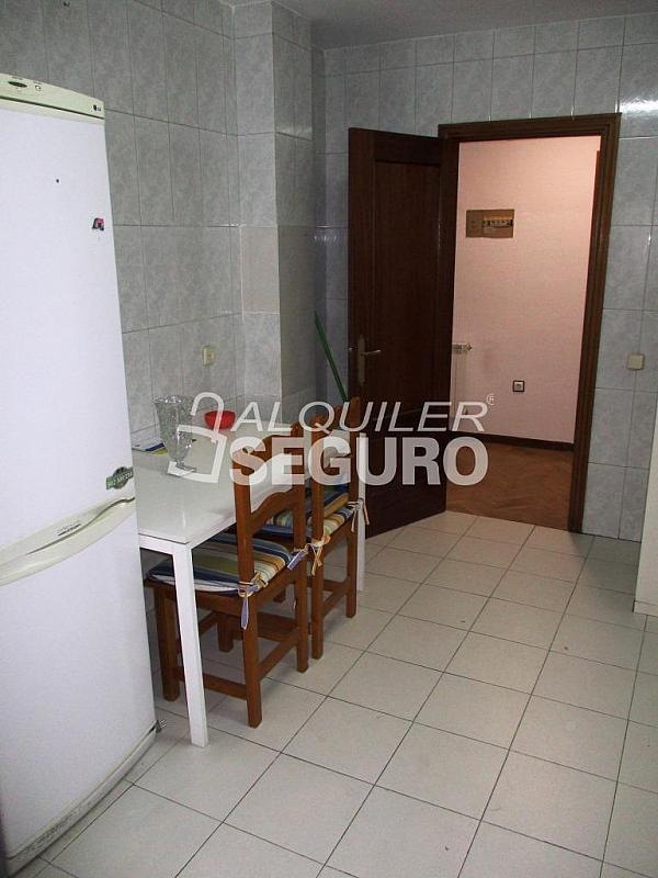 Piso en alquiler en calle Laguna, Casco Histórico en Alcalá de Henares - 320528027