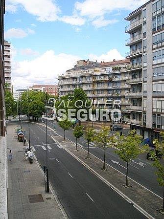 Piso en alquiler en calle Florida, Casco Viejo en Vitoria-Gasteiz - 321748901