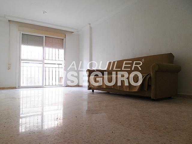 Piso en alquiler en calle Cesareo Martinez, Bailén - Miraflores en Málaga - 325578363