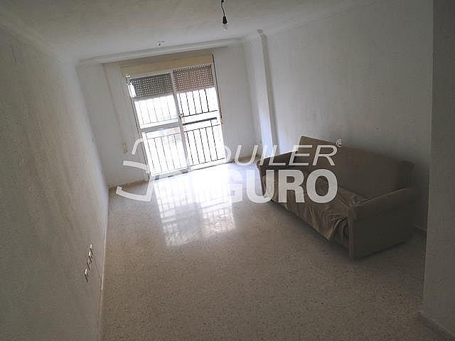 Piso en alquiler en calle Cesareo Martinez, Bailén - Miraflores en Málaga - 325578366