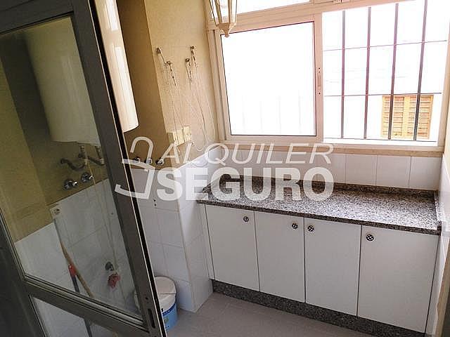 Piso en alquiler en calle Cesareo Martinez, Bailén - Miraflores en Málaga - 325578375