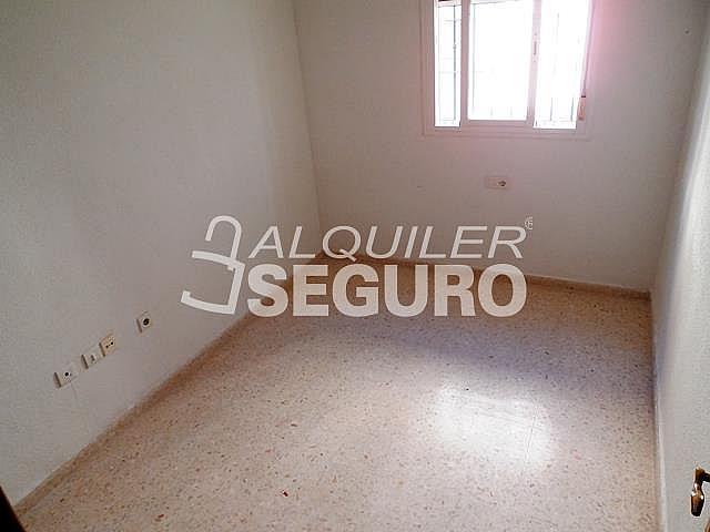 Piso en alquiler en calle Cesareo Martinez, Bailén - Miraflores en Málaga - 325578384