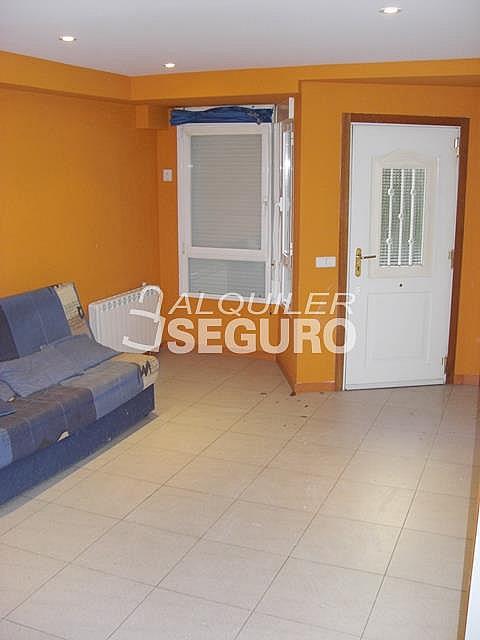 Piso en alquiler en calle Alcalá de Guadaira, Palomeras Bajas en Madrid - 326531716
