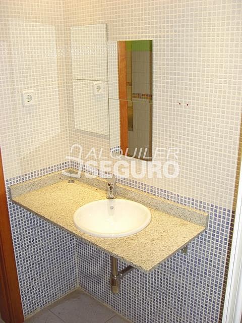 Piso en alquiler en calle Alcalá de Guadaira, Palomeras Bajas en Madrid - 326531731