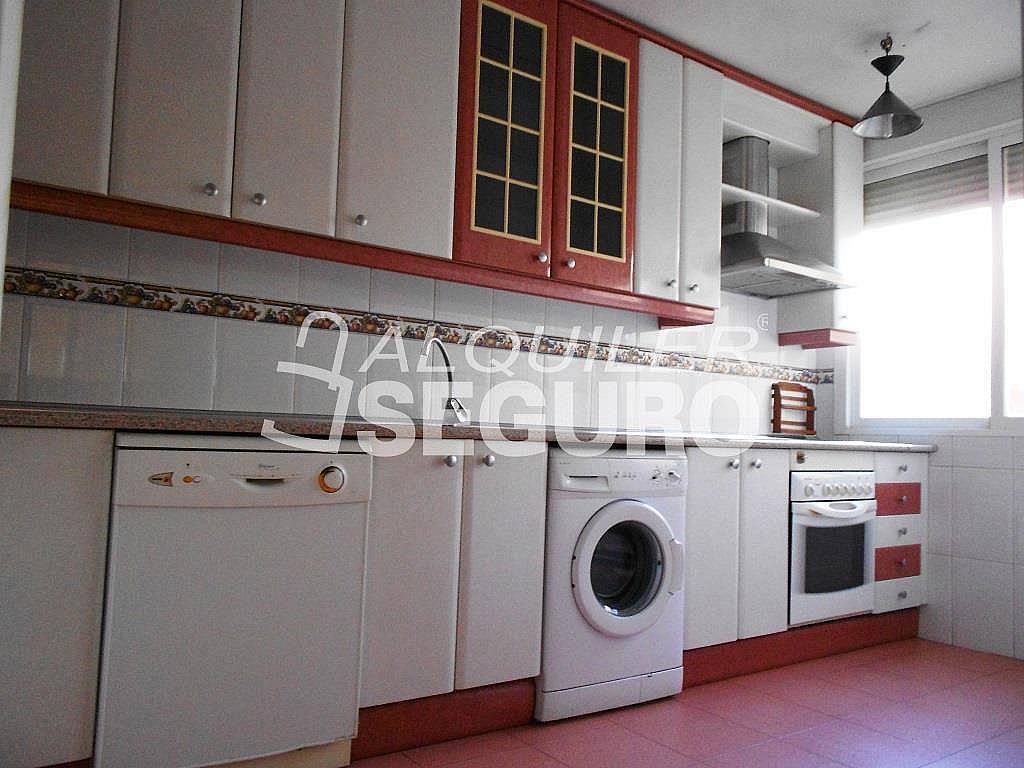 Piso en alquiler en calle Pardo de Santallana, Collado Villalba - 328945028