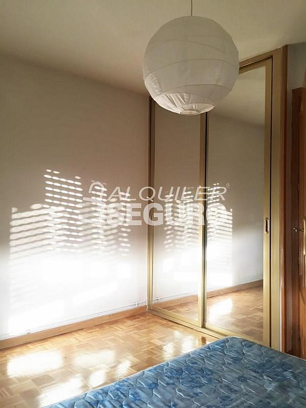 Piso en alquiler en calle Corregidor Rodrigo Rodríguez, Media Legua en Madrid - 329434318