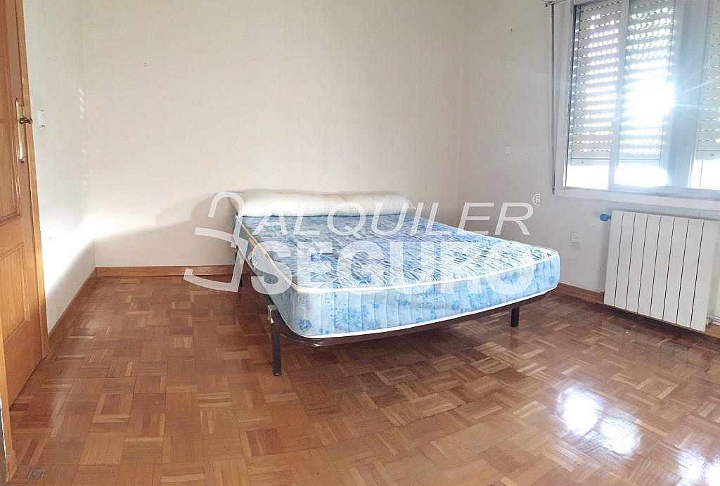 Piso en alquiler en calle Corregidor Rodrigo Rodríguez, Media Legua en Madrid - 329434321
