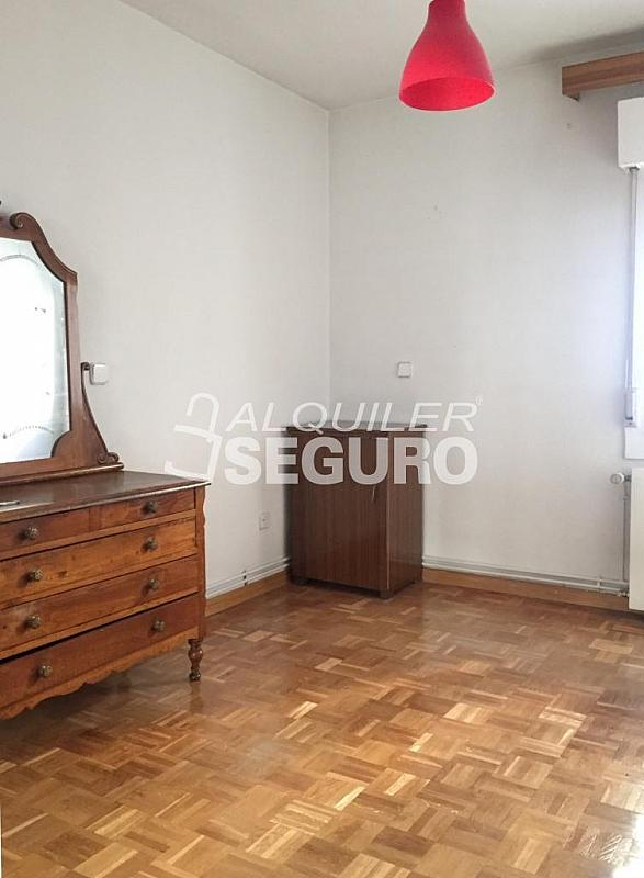 Piso en alquiler en calle Corregidor Rodrigo Rodríguez, Media Legua en Madrid - 329434327