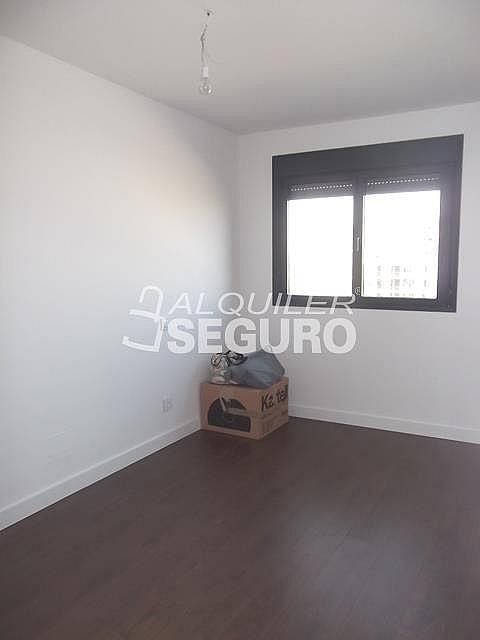 Piso en alquiler en calle Felix Candela, Hortaleza en Madrid - 329434750
