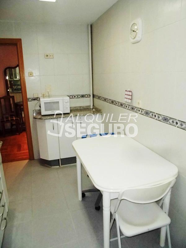 Piso en alquiler en calle Cartagena, Guindalera en Madrid - 330930666