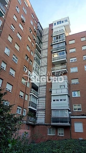 Piso en alquiler en paseo Eugenia de Montijo, Vista Alegre en Madrid - 330930768