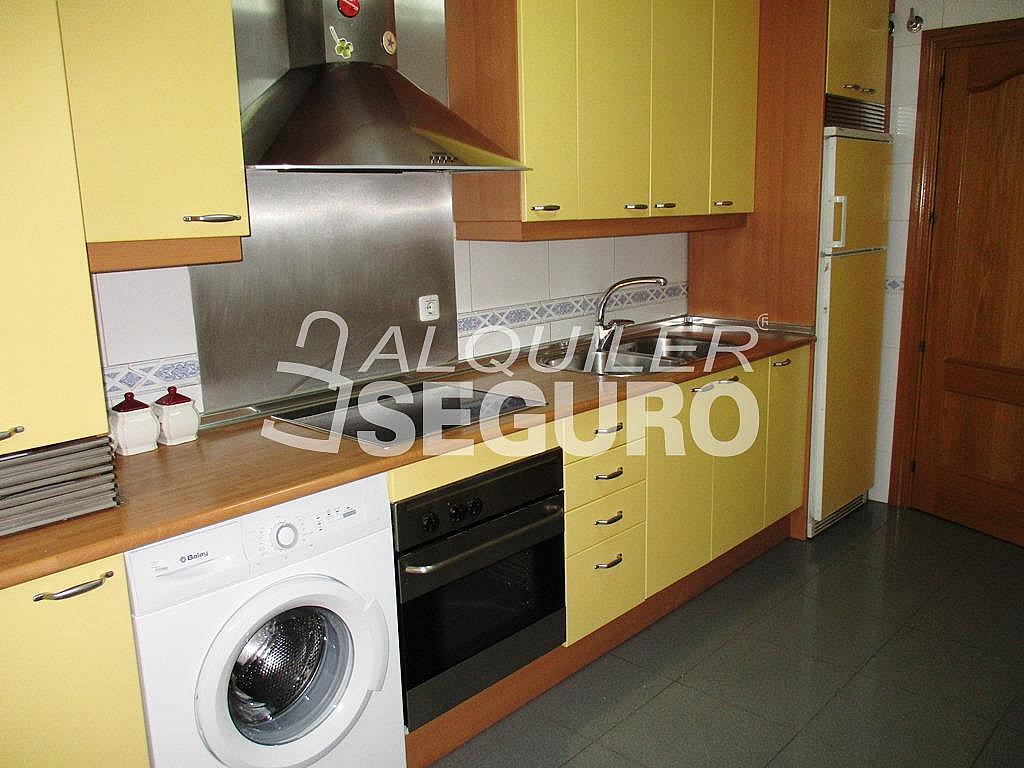 Piso en alquiler en calle Jorge Luis Borges, Ensanche en Alcalá de Henares - 331538292