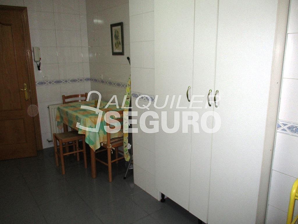 Piso en alquiler en calle Jorge Luis Borges, Ensanche en Alcalá de Henares - 331538295