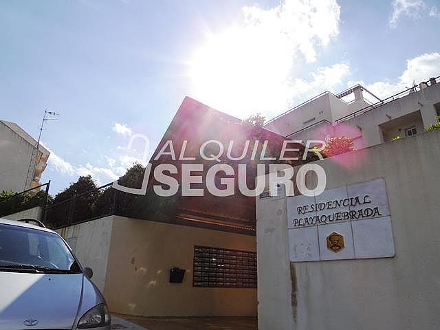 Piso en alquiler en calle Almuñecar, Benalmádena Costa en Benalmádena - 331743611