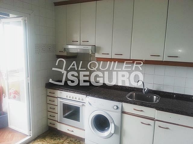 Piso en alquiler en calle Julian Gaiarre, Casco Viejo en Bilbao - 332296843
