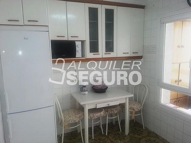 Piso en alquiler en calle Julian Gaiarre, Casco Viejo en Bilbao - 332296849