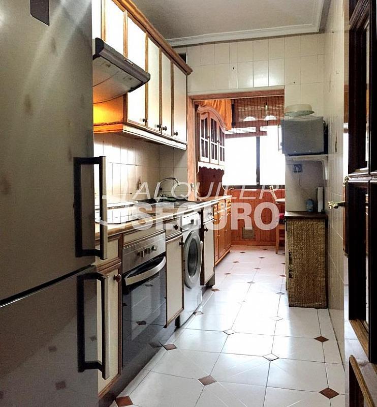 Piso en alquiler en calle Clara Campoamor, Puerta Bonita en Madrid - 332296891