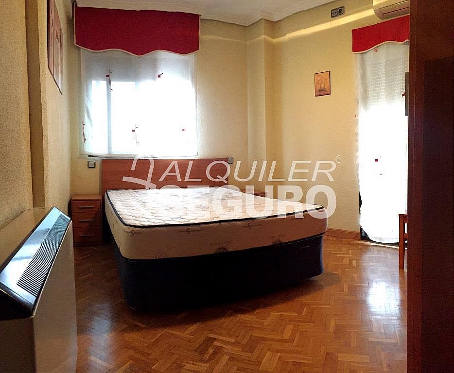 Piso en alquiler en calle Clara Campoamor, Puerta Bonita en Madrid - 332296903