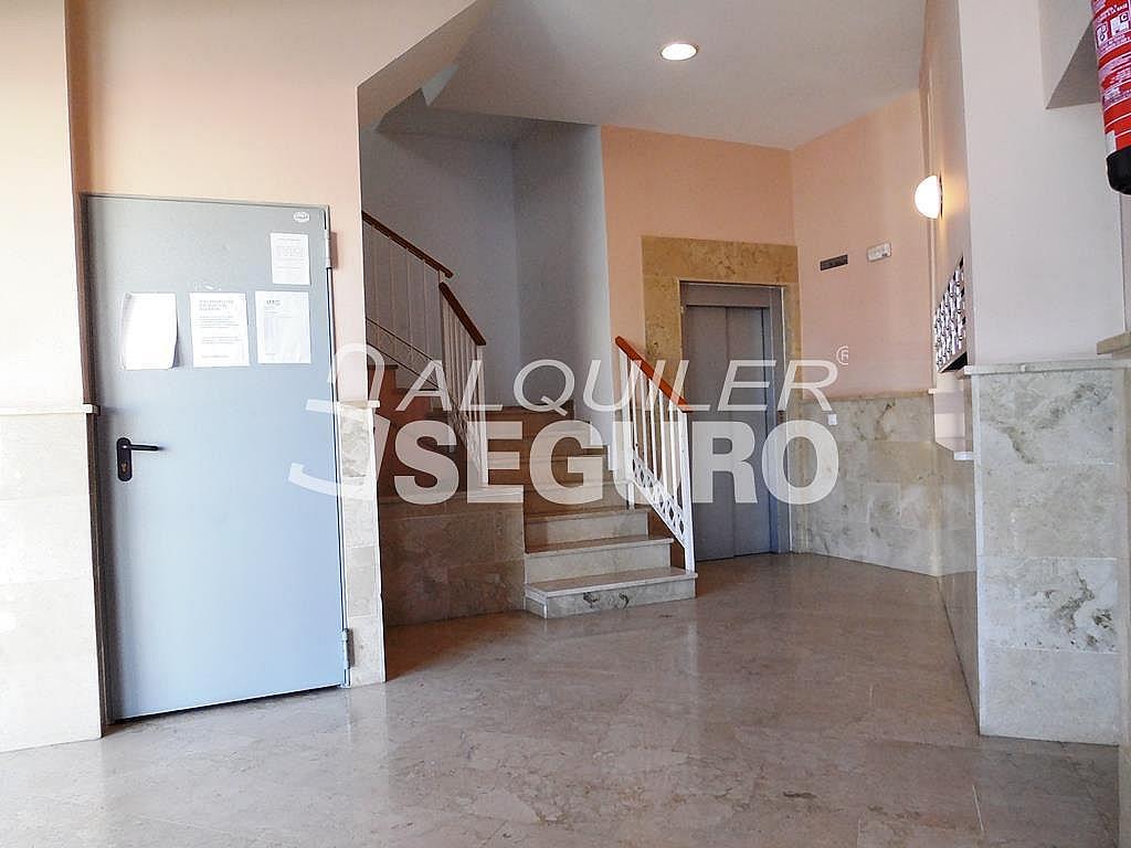 Ático en alquiler en calle Bulevar Pilar Miro, Carretera de Cádiz en Málaga - 348752078