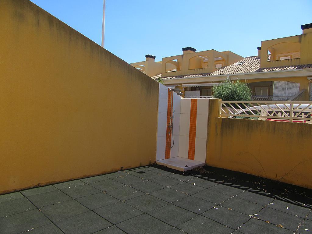 Chalet en alquiler en calle , Almarda, de (py) - 287327640