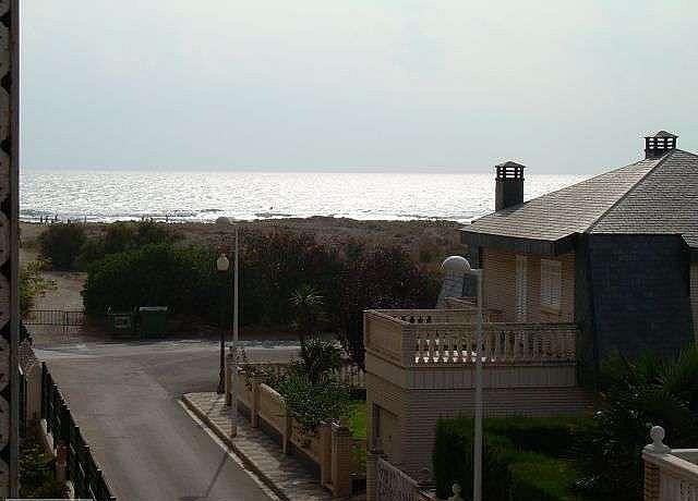 Piso en alquiler en calle Playa Almarda, Almarda, de (py) - 127219304