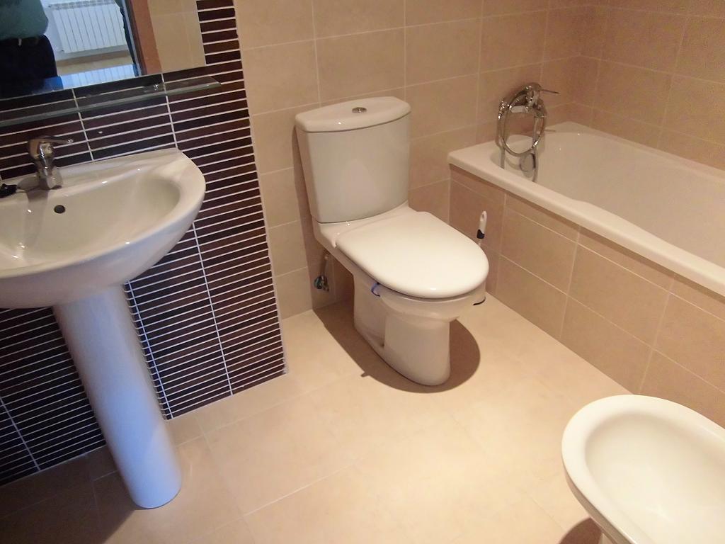 Baño - Apartamento en alquiler en Ciudad Real - 308500889
