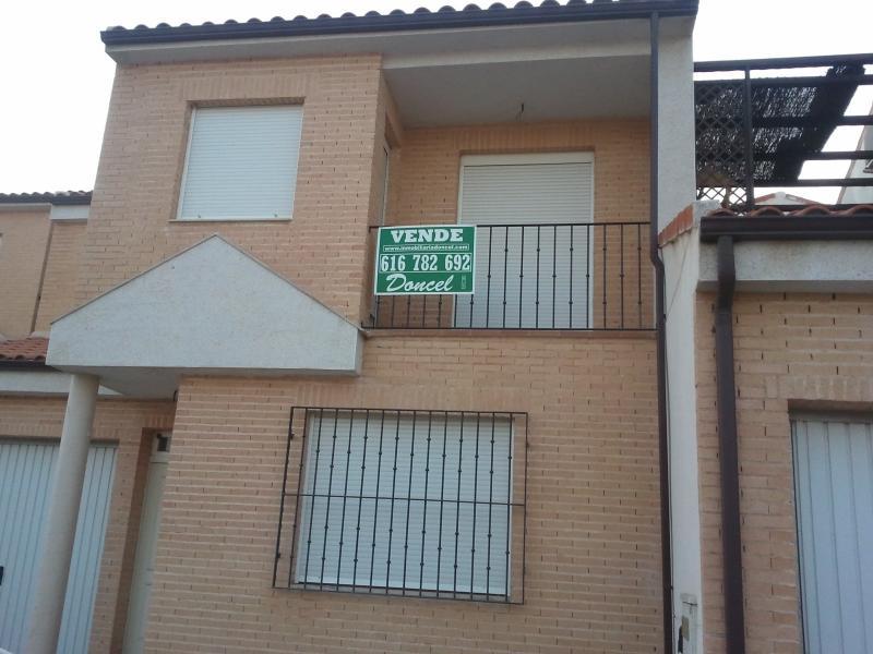 Casa adosada en venta en Carrión de Calatrava - 48103059