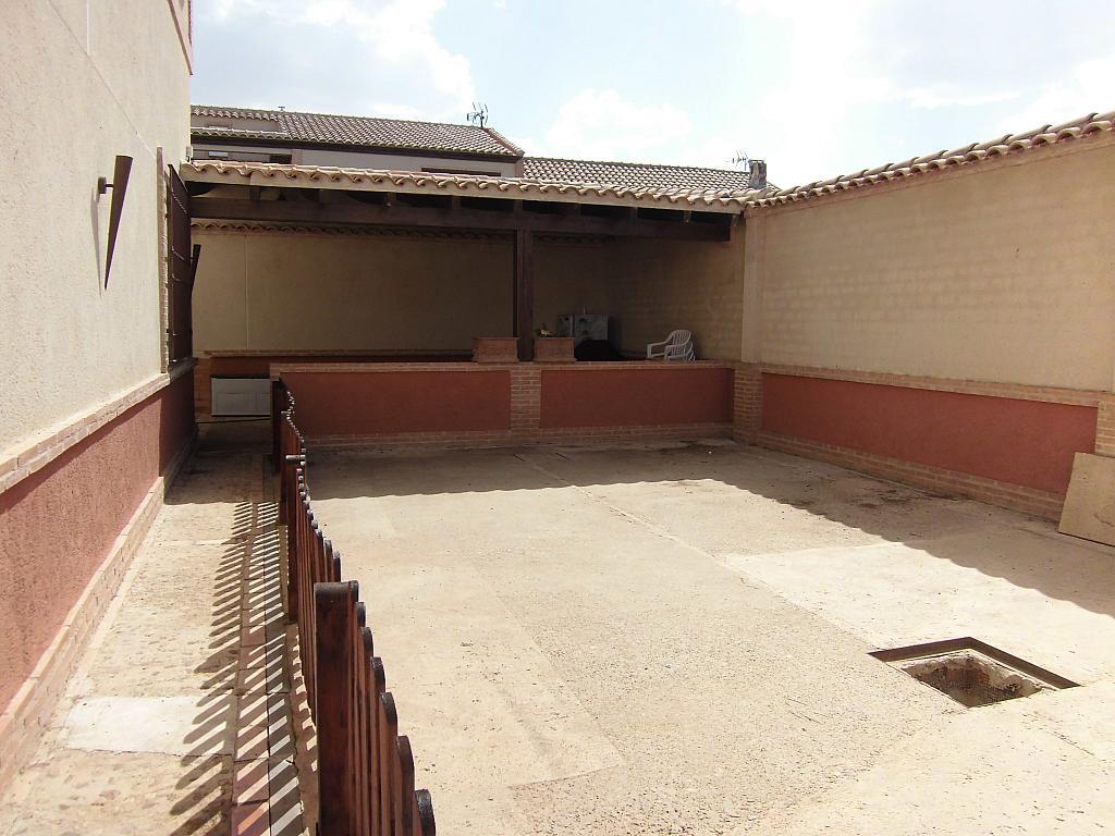 Patio - Casa en alquiler opción compra en Fernan caballero - 207510780