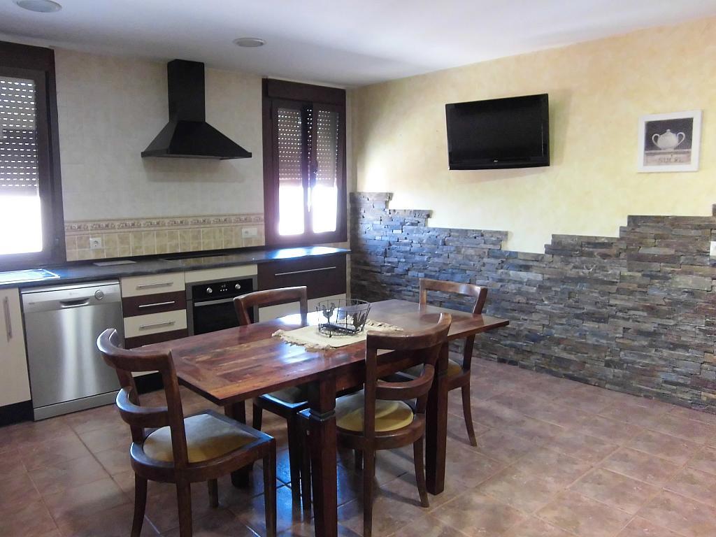 Cocina - Casa en alquiler opción compra en Fernan caballero - 207510806