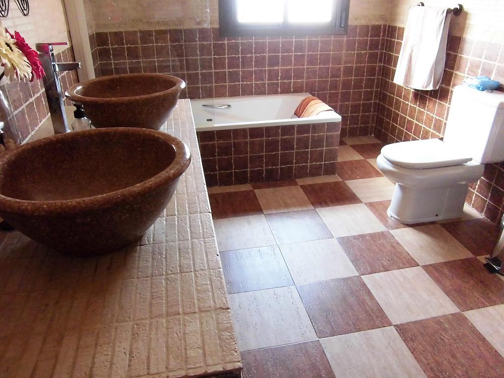 Baño - Casa en alquiler opción compra en Fernan caballero - 207510809