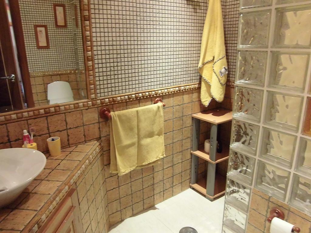 Baño - Casa en alquiler opción compra en Fernan caballero - 207510819