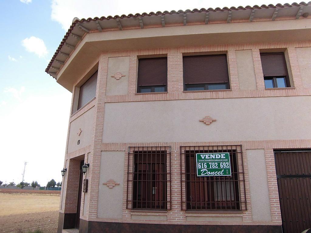 Fachada - Casa en alquiler opción compra en Fernan caballero - 207510822
