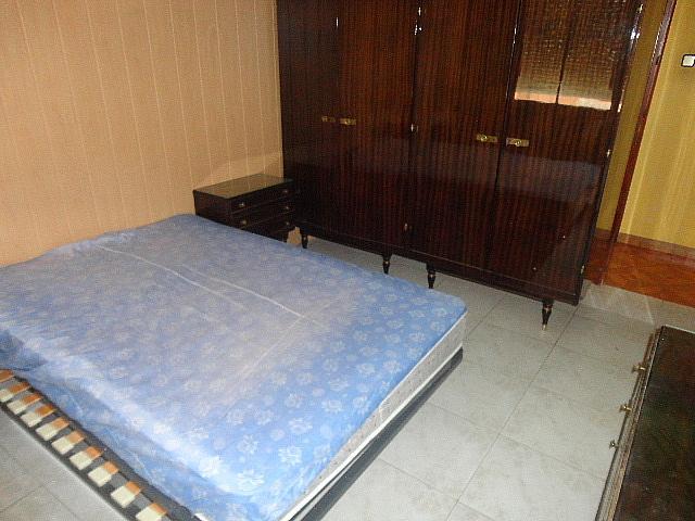 Dormitorio - Piso en alquiler en calle Fernán González, Reyes Católicos en Alcalá de Henares - 209945872